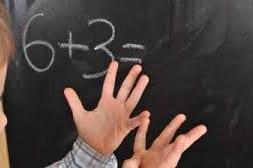 اختلال ریاضی نشانه ها، علل و راهکار های درمان